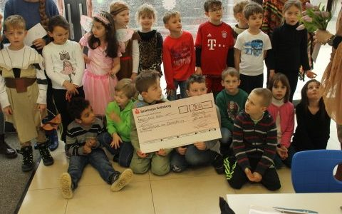Übergabe der Preisgelder durch Firma Wenzel
